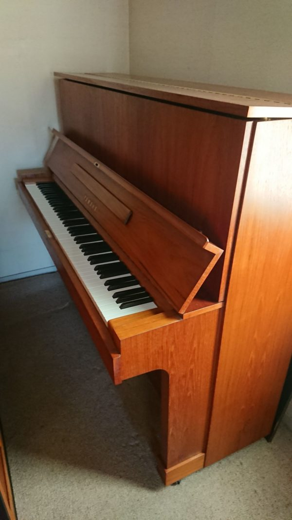 YAMAHA アップライトピアノ W103